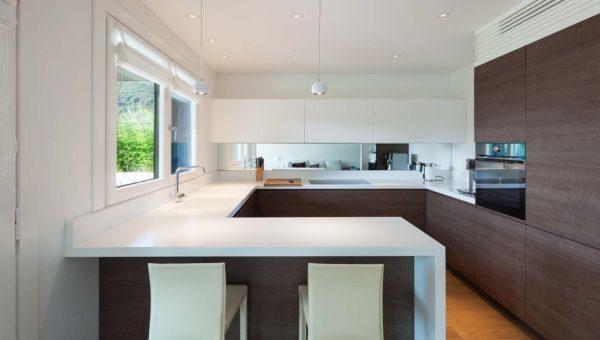 Kuchnia w stylu nowoczesnym zaprojektowana przez firmę Smart Design Sara Tokarczyk.