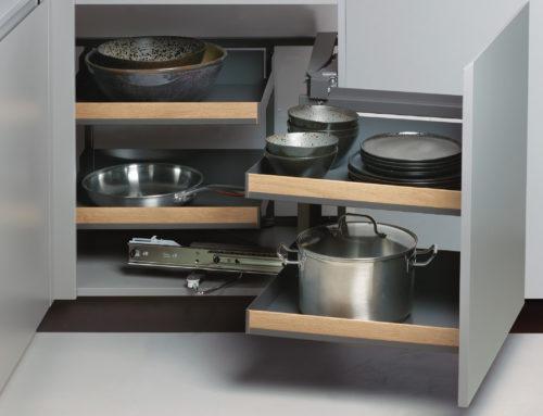 Sprytne rozwiązania kryjące się we wnętrzach szafek kuchennych