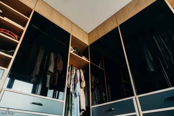 Garderoba - przykład perfekcyjne zaprojektowanych mebli na zamówienie