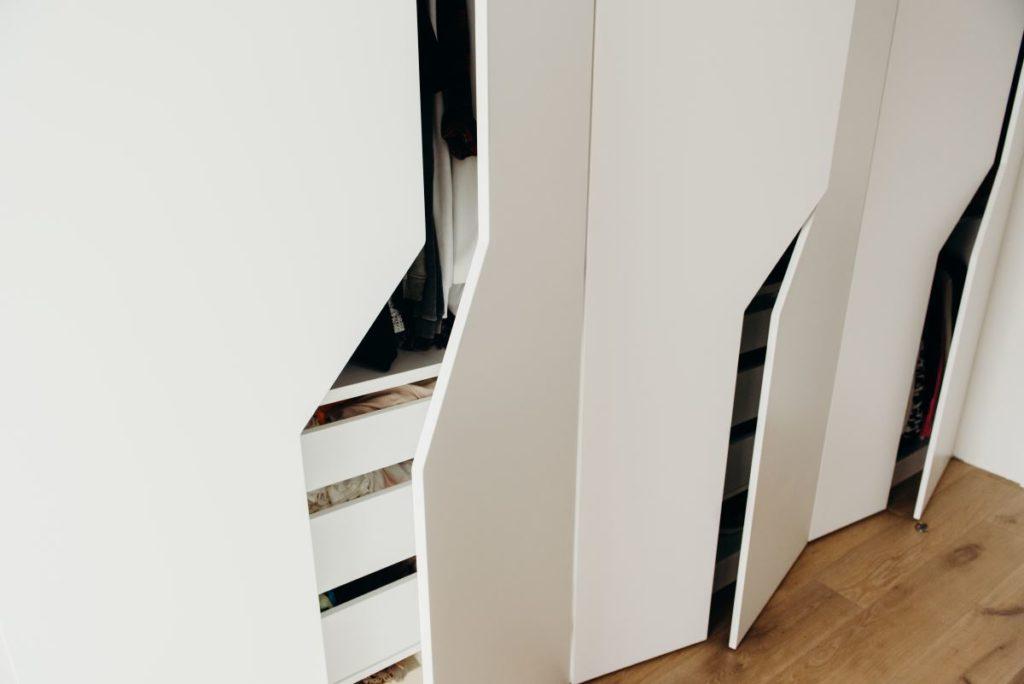 Przykład wykonania garderoby na wymiar przez Smart Design