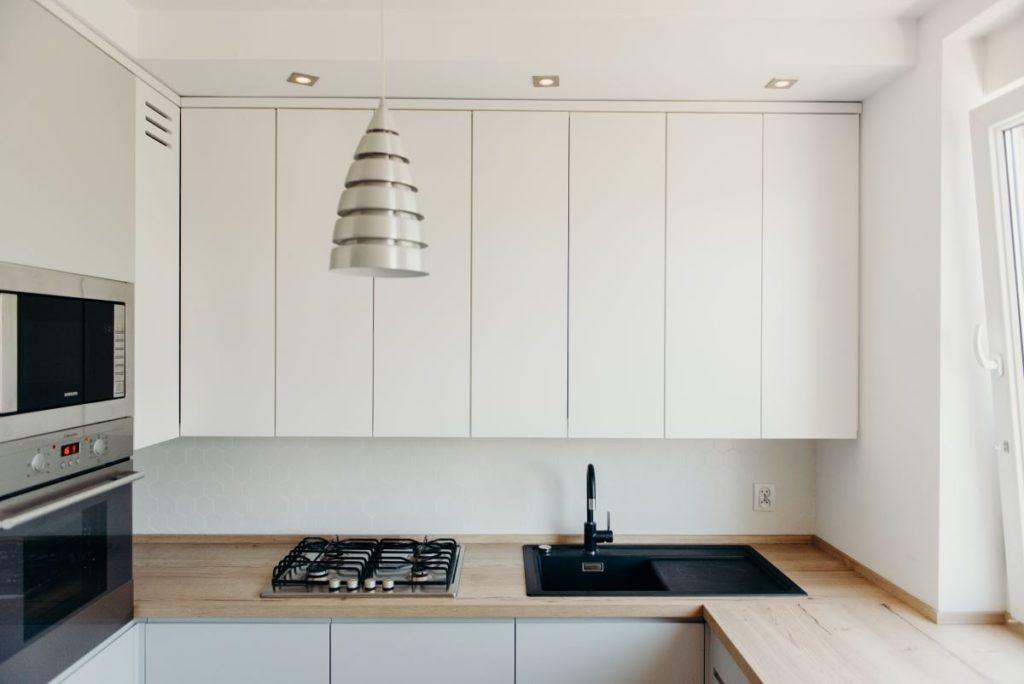 Ponadczasowe wzory, kolory, harmonia, idealne rozwiązania, wygoda dla użytkowników - tym cechują się nasze kuchnie na wymiar z