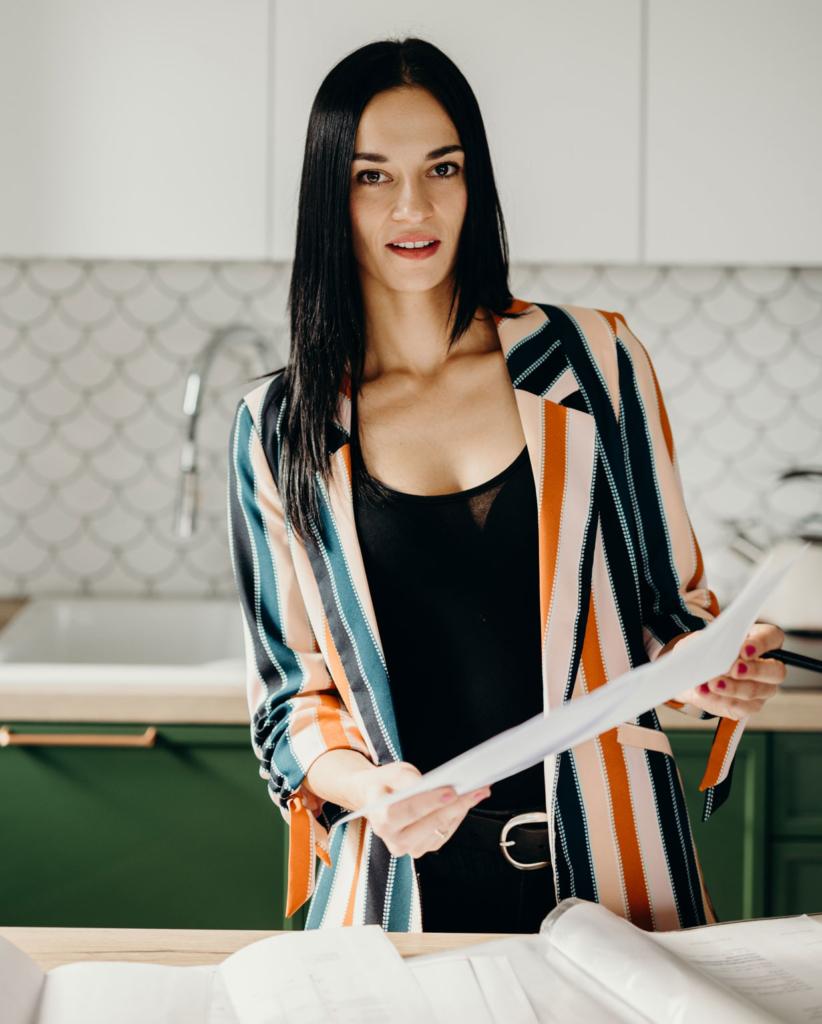 Sara Tokarczyk - projektantka wnętrz, właściciel biura projektowego Smart Design